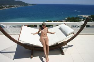 Geraldine - Vacation Slut x110-02gs27nbge.jpg