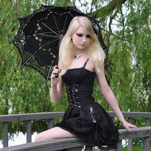 Maria Amanda - Gothic Doll [Zip]65lr1nbsn5.jpg