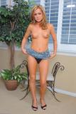Ashley Abott - Upskirts And Panties 3b5r9v287vz.jpg