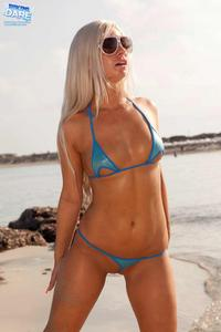 Candy Blond - hot girl at the beach l1u0fwlnh1.jpg