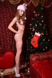 Kira - Sexy Pink Christmas [Zip]r5m5fh7jqp.jpg