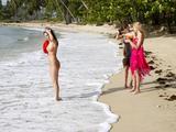 Anna S., Angelica, Paulina, life is a beachl3uo14p2cn.jpg