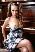 Jamie Elle - Sexy Babe Strips By The Piano 13j1rtmvdb.jpg