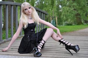 Maria Amanda - Gothic Doll [Zip]t5lr1n42mf.jpg