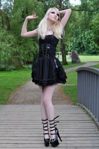 Maria Amanda - Gothic Doll [Zip]55lr1nlcr7.jpg