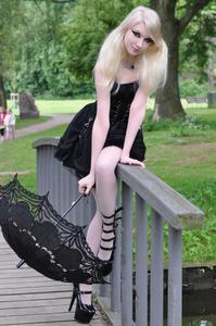 Maria Amanda - Gothic Doll [Zip]h5lr1mvgky.jpg
