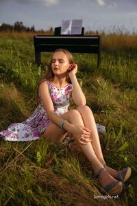 Grace Set 06 - Outdoor Strip (Zip)a6309cwfsq.jpg
