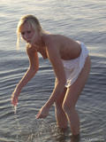 Tammy in Beach44ackxqysx.jpg