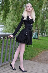 Maria Amanda - Gothic Doll [Zip]e5lr1nqjui.jpg