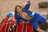 Julia in Shoot Day: Behind the Scenes55hg7kd514.jpg