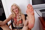 Emily Kaye - Footfetish 1p580x92y0x.jpg