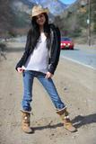 Zoey Kush66a6slm7u5.jpg