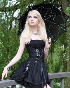 Maria Amanda - Gothic Doll [Zip]j5lr1n1t0t.jpg