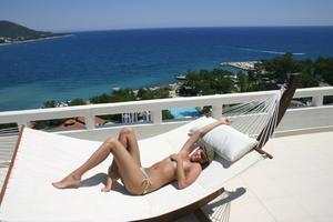 Geraldine - Vacation Slut x110-q2gs282eg1.jpg
