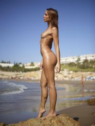 Amber - Life Is A Beach y5eu1pgzvj.jpg