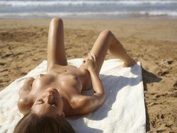 Caprice - Public Beachm5qb32rnsp.jpg